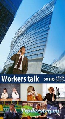 Клипарт - Workers talk