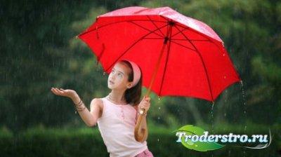 Красивая девушка с зонтиком в осеннем парке