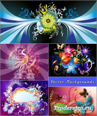 Фиолетовые черные цветочные композиции с бабочками (Вектор)