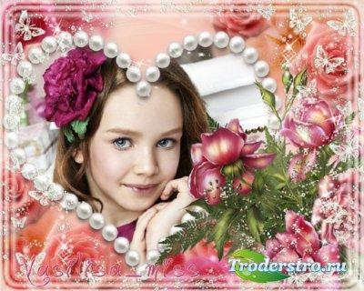 Очень красивая рамка для фотошопа произведенная на прекрасном фоне с прибав ...